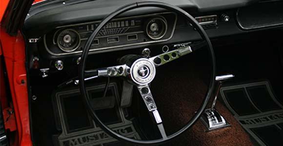 Fahrzeug 1 Mustang-1965: Bild 3 in der Bilderstrecke: Innenraum-Lenkrad