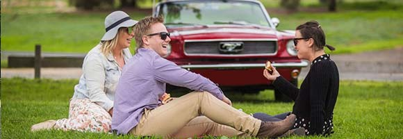 Oldtimervermietung : Mustang fahren.