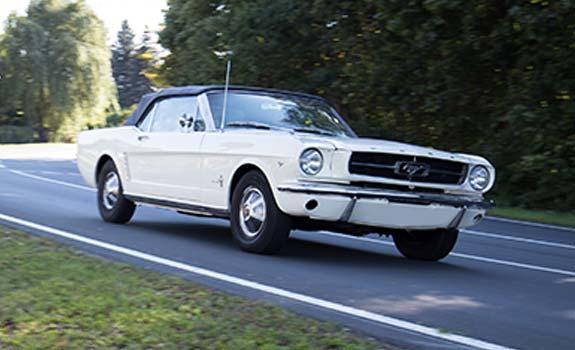 Fahrzeug Ansicht 1, Ford Mustang Cabriolet, Baujahr 1965, weiss