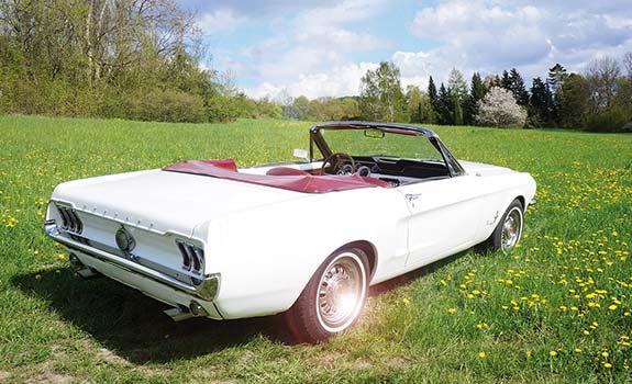 Fahrzeug, Ansicht 2, Ford Mustang Cabriolet, Baujahr 1968, Weiss