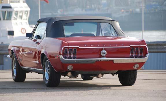 Fahrzeug Ansicht 2, Ford Mustang Cabriolet, Baujahr 1968, rot 2