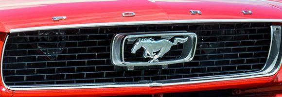 Frau Geburtstag Mustang fahren